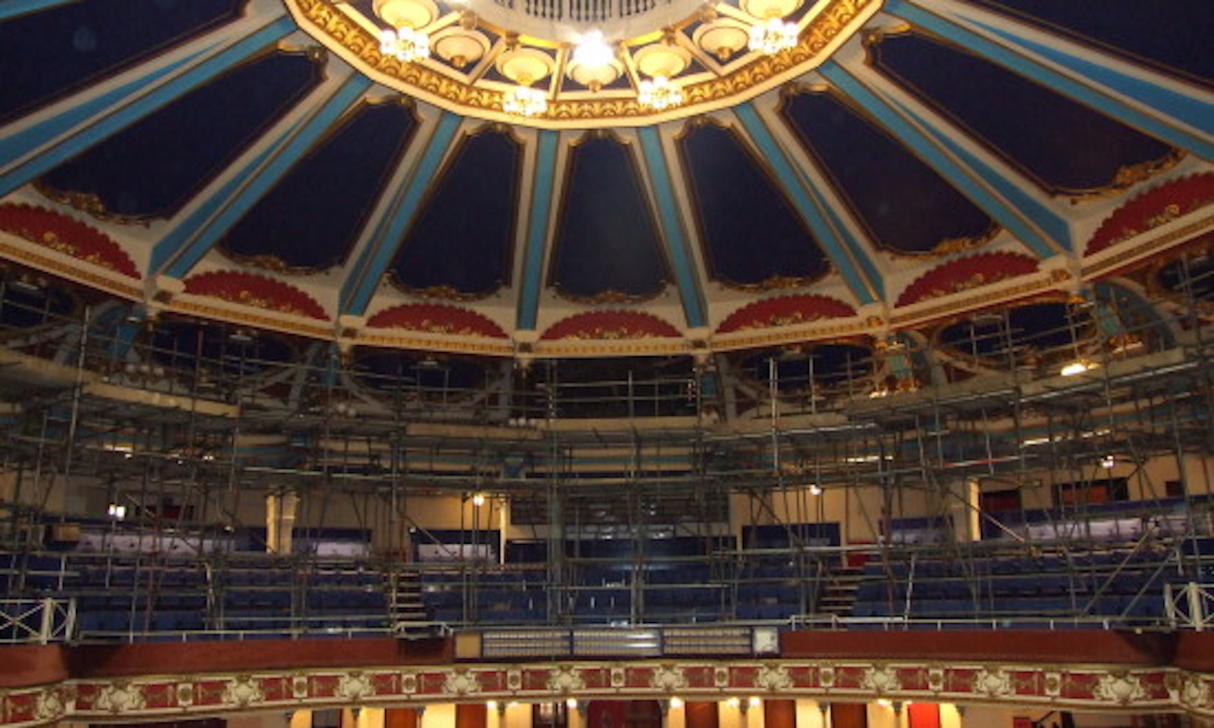 A third of theatres may close without £1/2bn upgrades